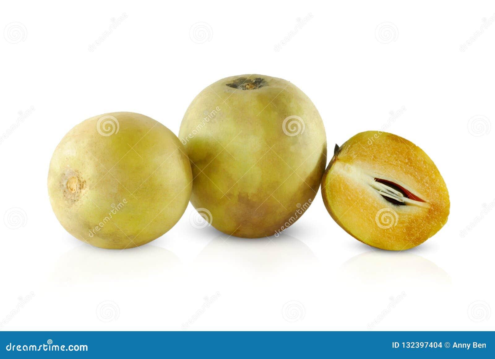 Sapodilla owoc odizolowywająca na bielu