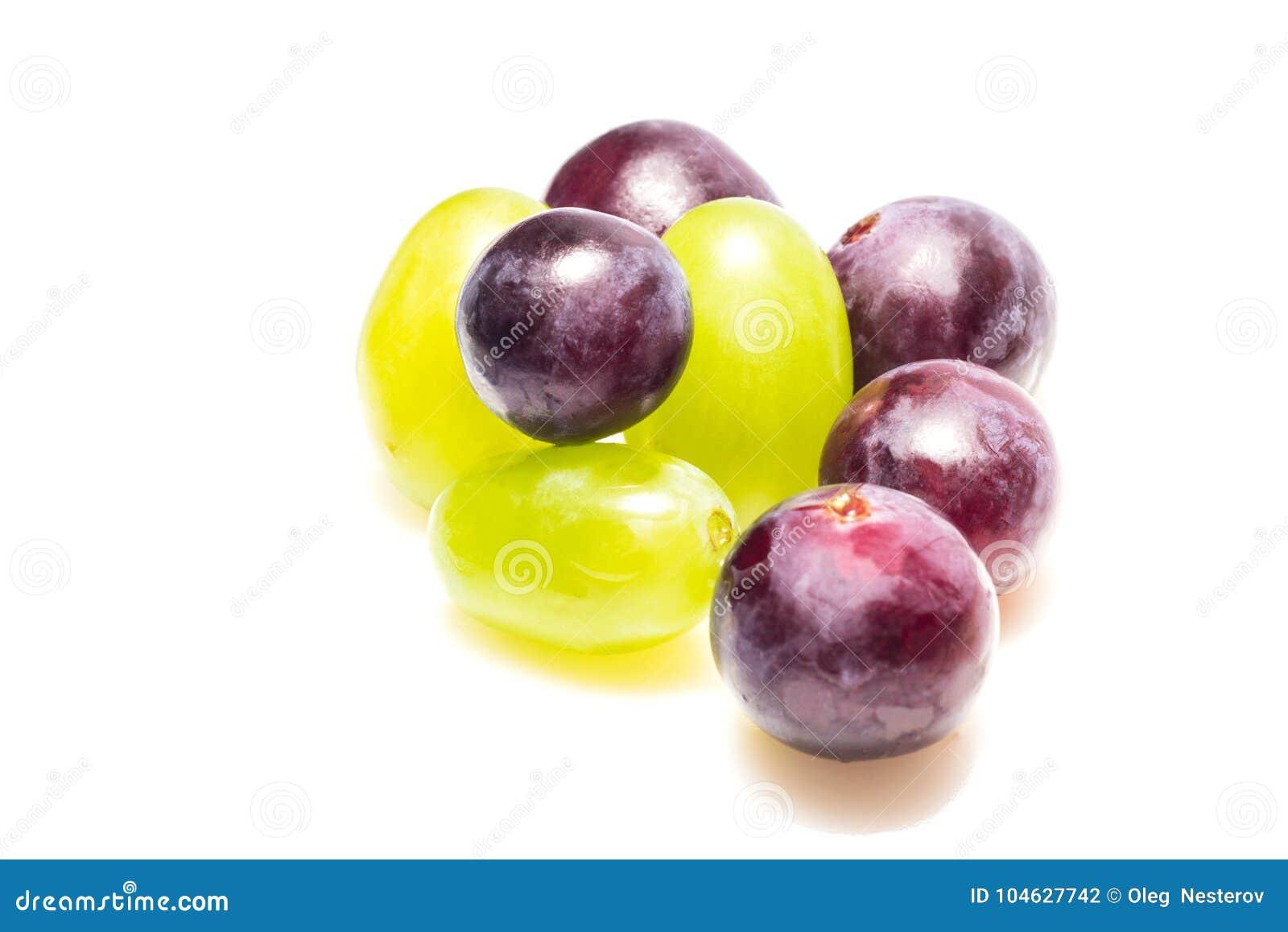 Download Sappige Druiven Op Een Witte Achtergrond Stock Foto - Afbeelding bestaande uit achtergrond, voedsel: 104627742