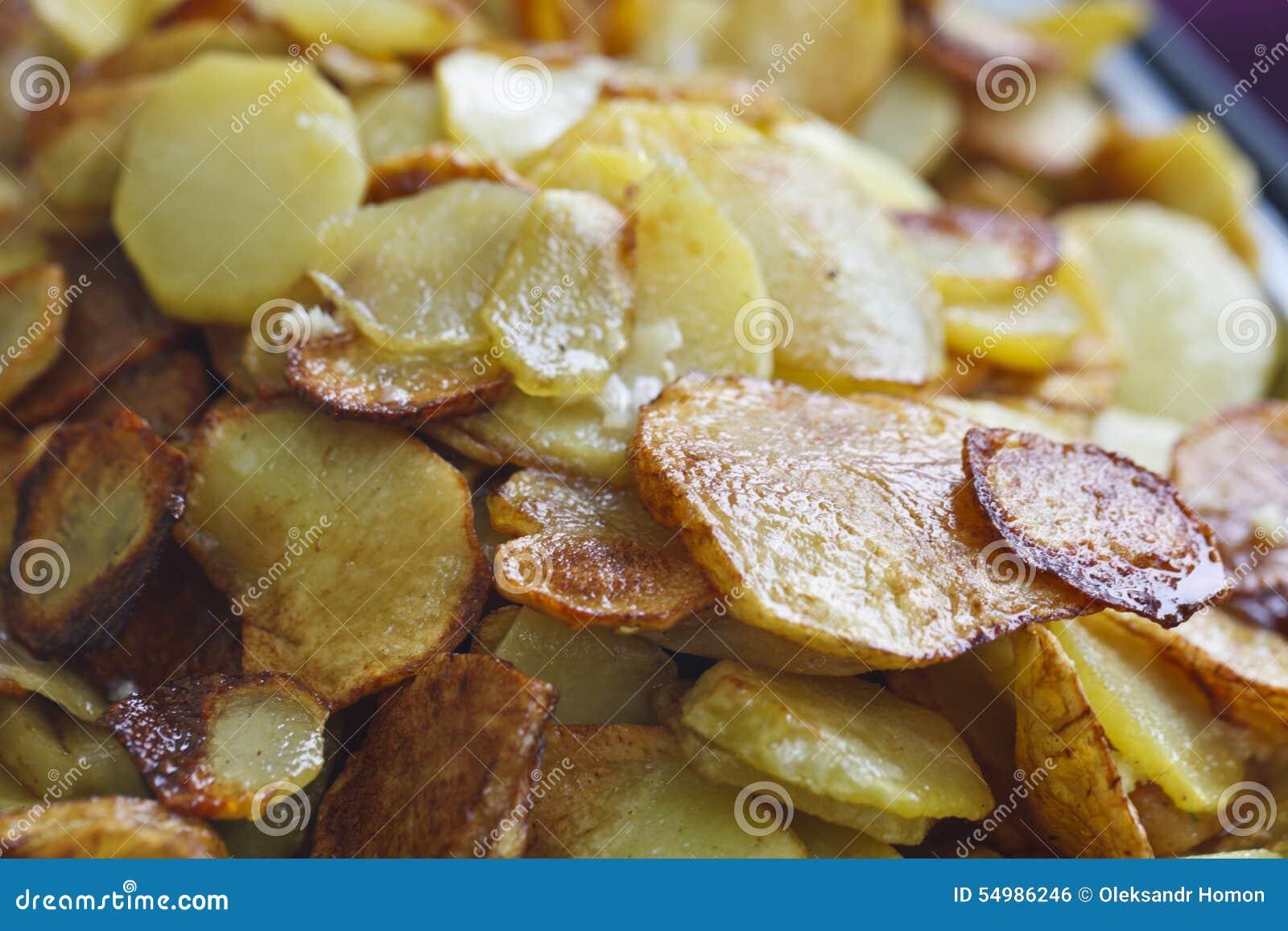 Sappige gebraden aardappels
