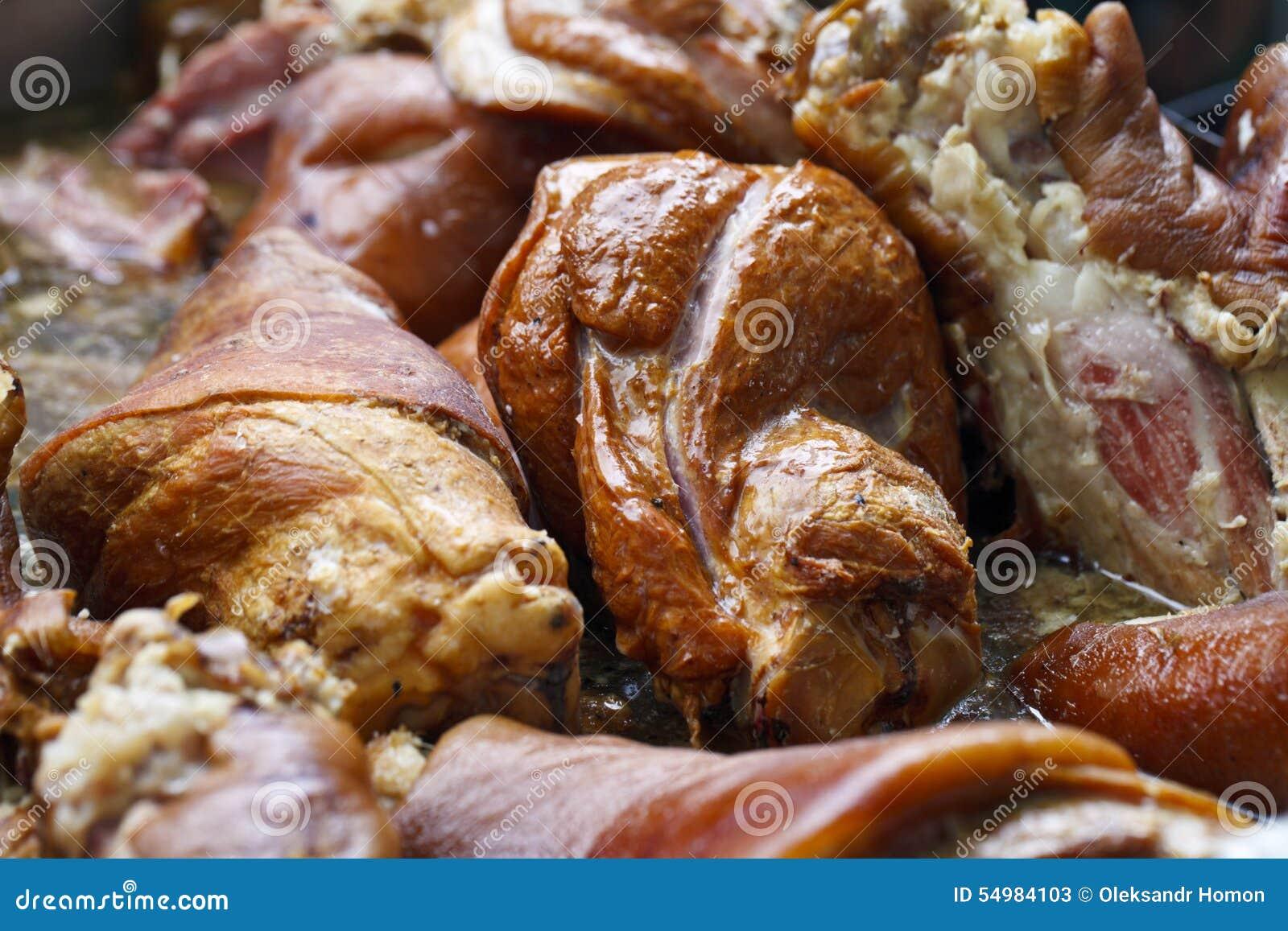 Sappige stukken van vlees in olie
