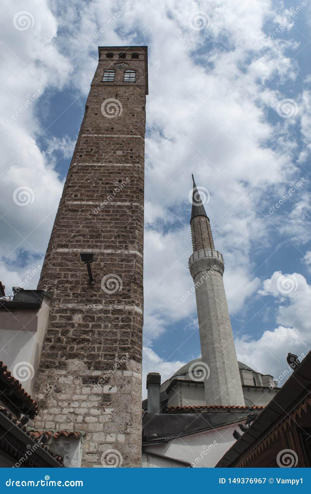 Sarajevo, Bośnia i Herzegovina, Bascarsija, Zegarowy wierza, Sarajevska Sahat Kula, Gazi Błagamy meczet, linia horyzontu