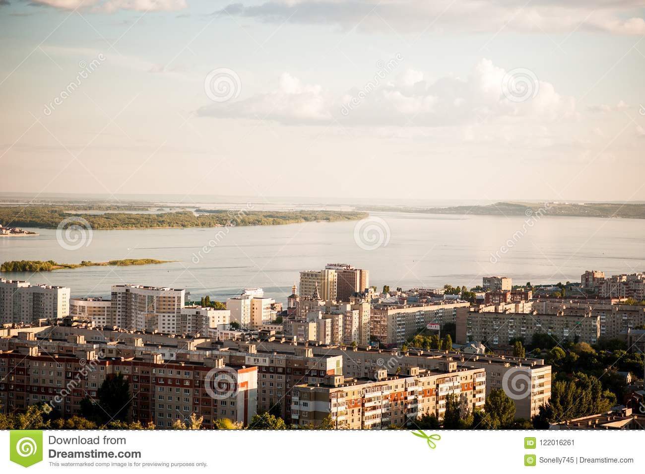 What area is Saratov in