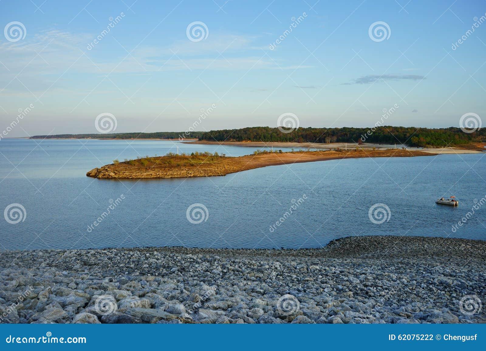 Sardismeer en eiland