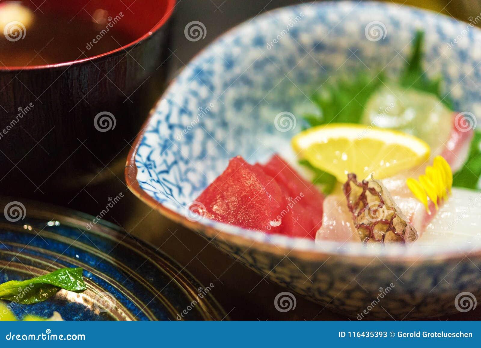 Sashimi - Japoński naczynie, Tokio, Japonia Zakończenie