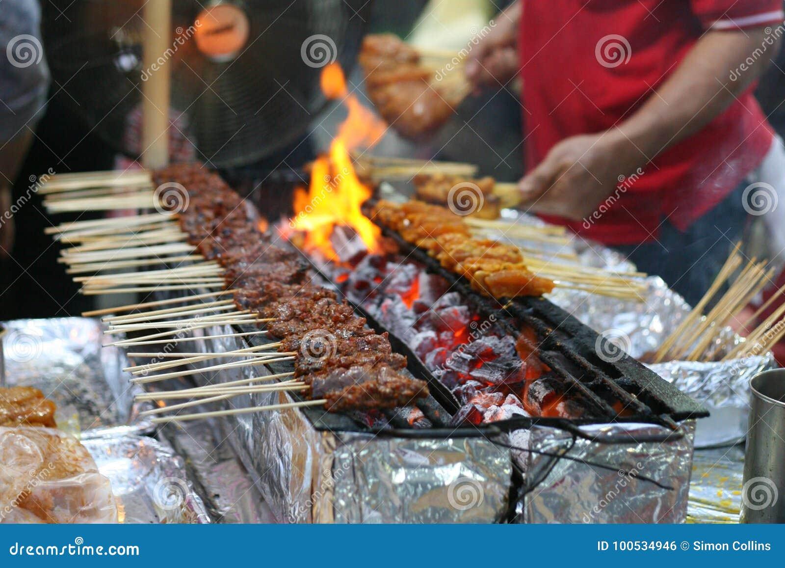 Satay σκηνή αγοράς οδών κοτόπουλου