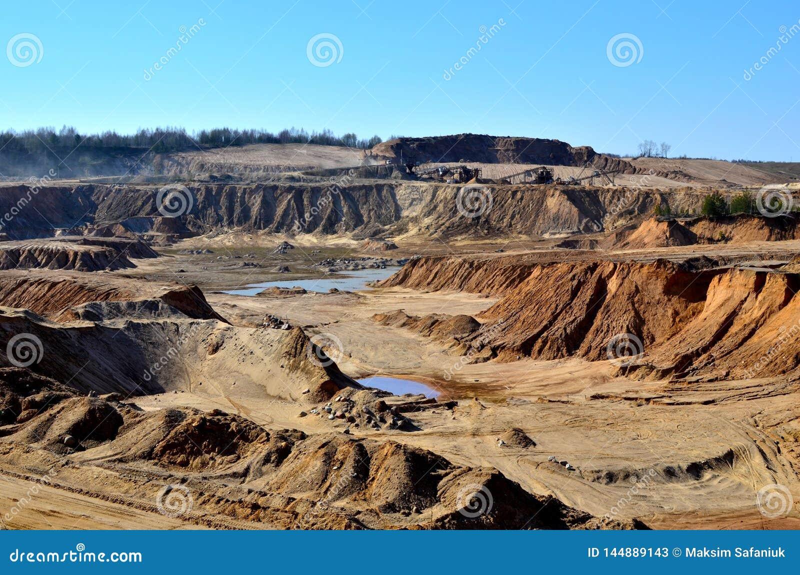 Satellietbeeld van een kuil van het mijnbouwzand