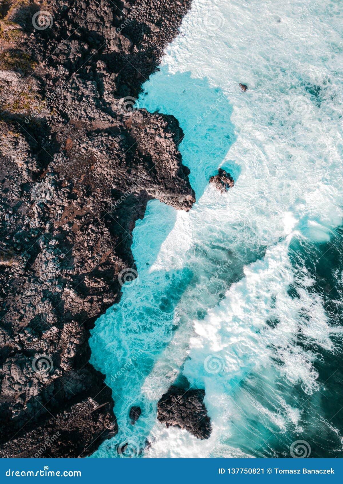 Satellietbeeld van Pont Naturel Mauritius Natuursteenbrug, atraction van zuidelijke kustlijn in Mauritius
