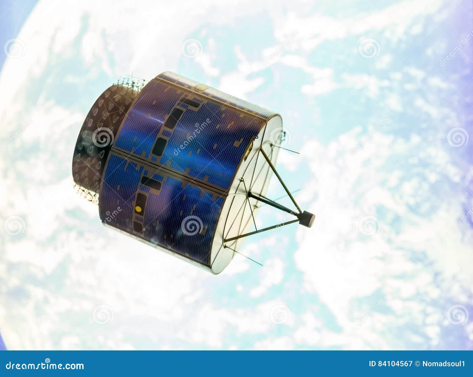 Satellit i utrymmeomlopp