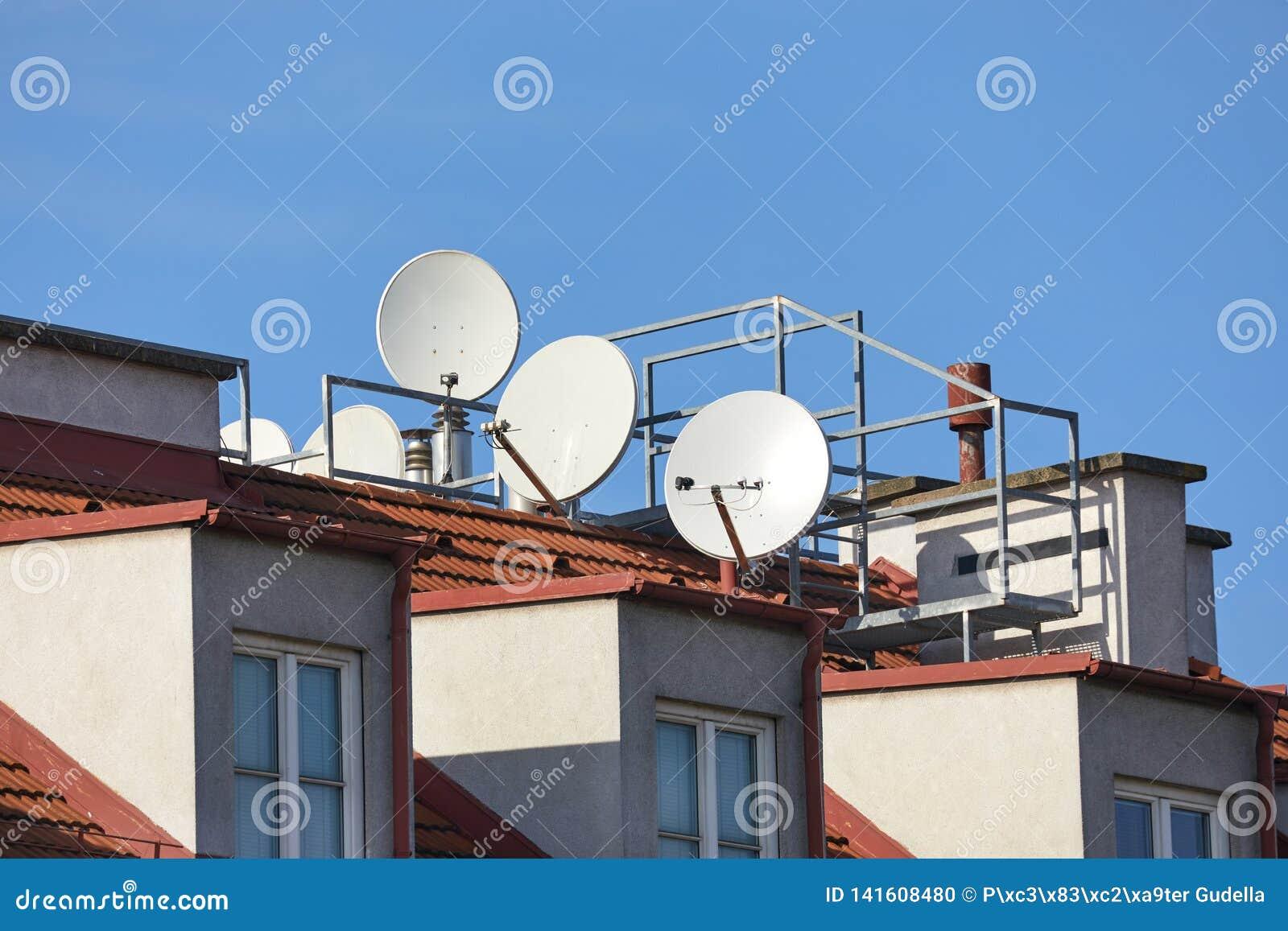 Satellit- mottagare för takparabel