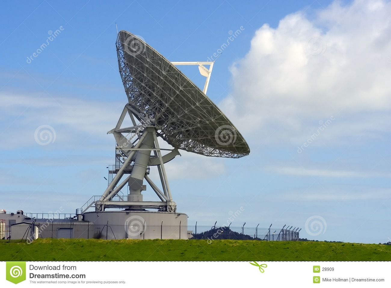 Satellite Dish Royalty Free Stock Images - Image: 28909
