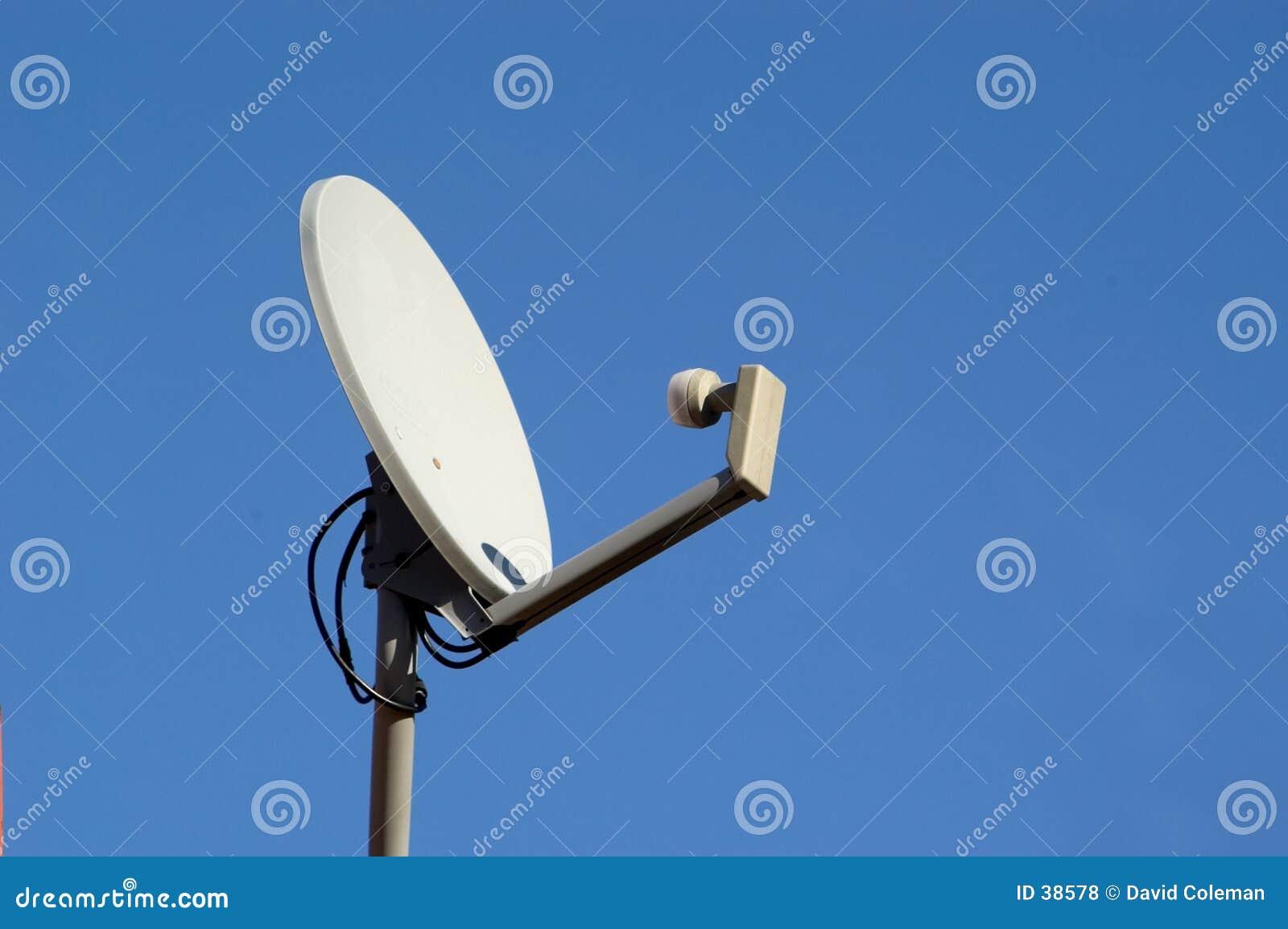 Download Satellitenschüssel stockfoto. Bild von kommunikation, elektronik - 38578