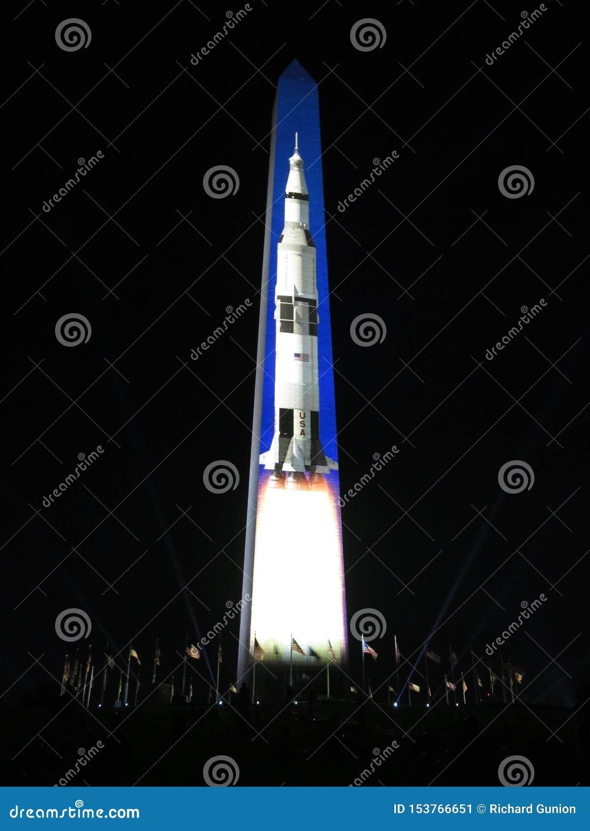 Saturn Pięć Rakietowy kłoszenie księżyc