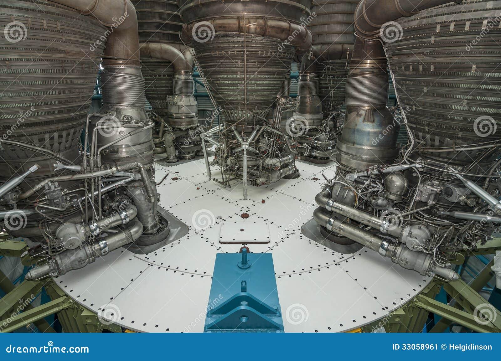 Saturn-V-motor