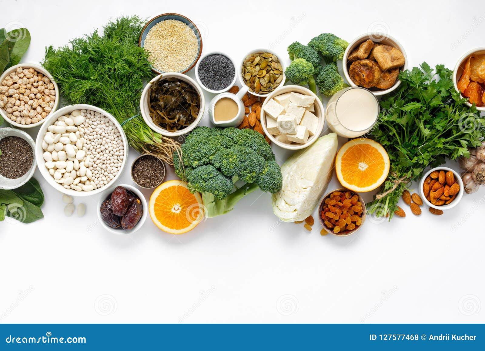 Sauberes Essen des gesunden Lebensmittels der Draufsicht der Kalziumvegetarier
