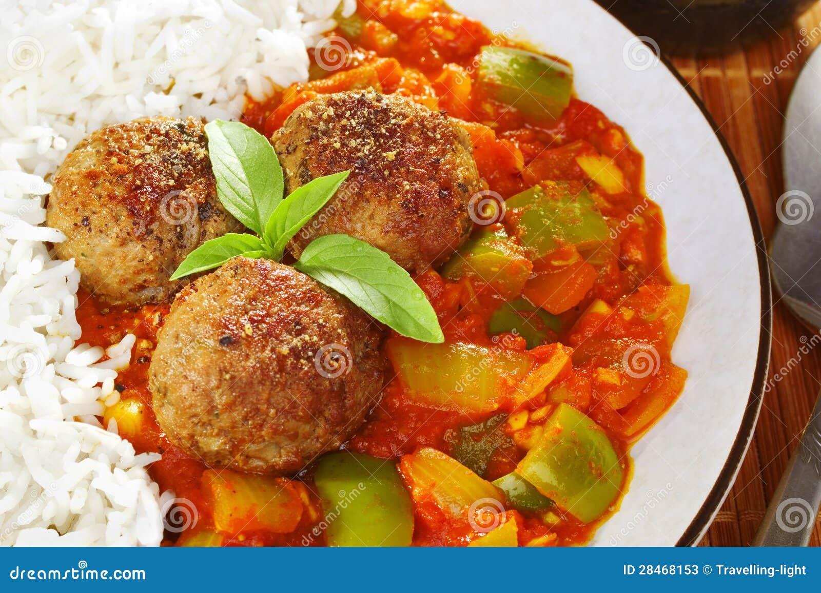 Sauce de boulette de viande et tomate indienne image stock image du basilic tomate 28468153 - Boulette de viande en sauce ...