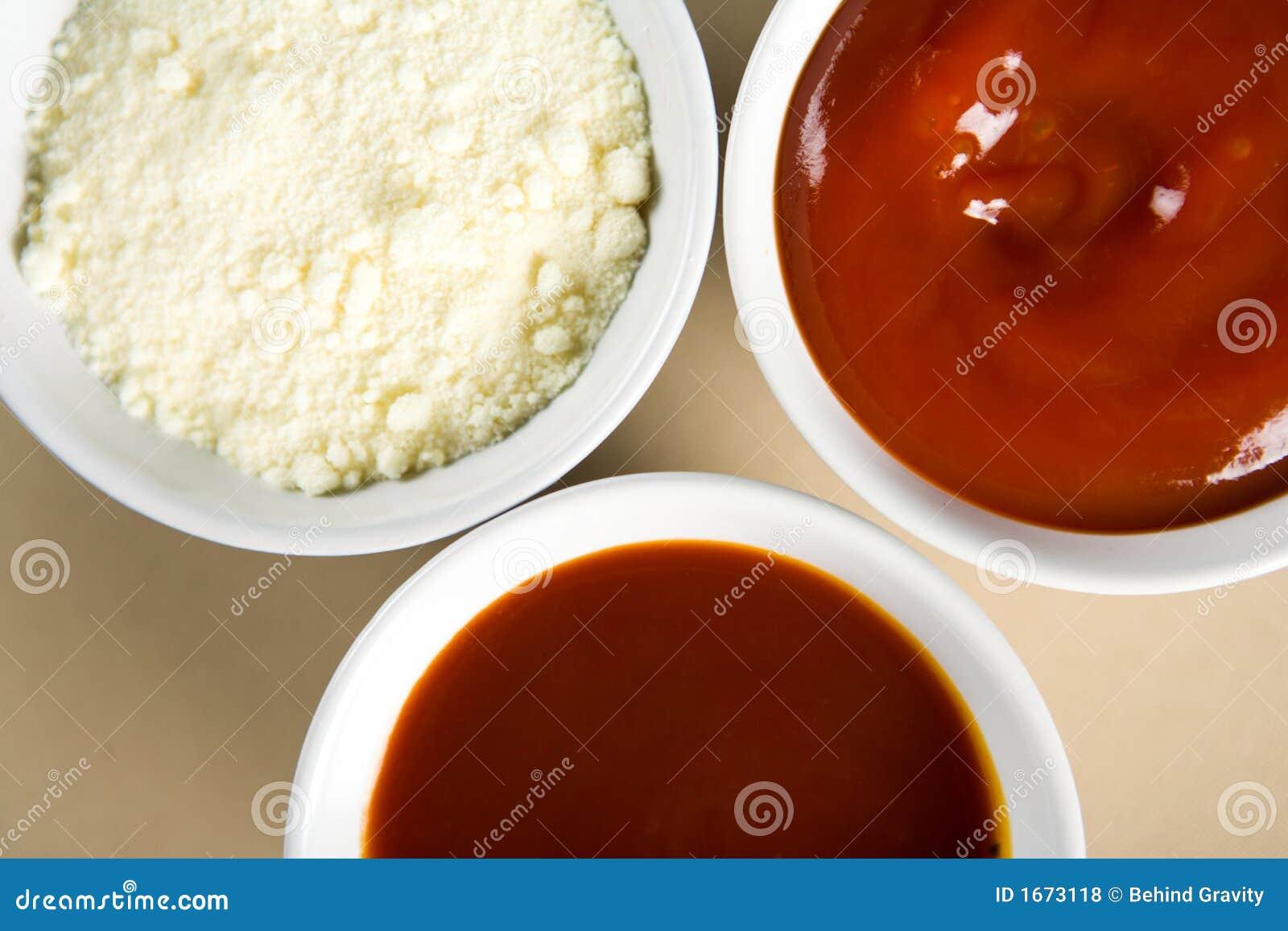 Sauces dans une cuvette