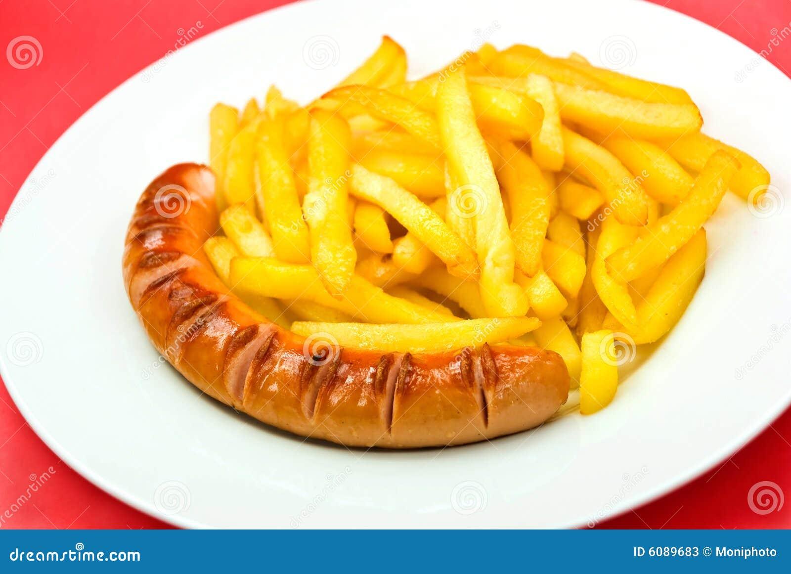 """Résultat de recherche d'images pour """"saucisse avec des frites"""""""