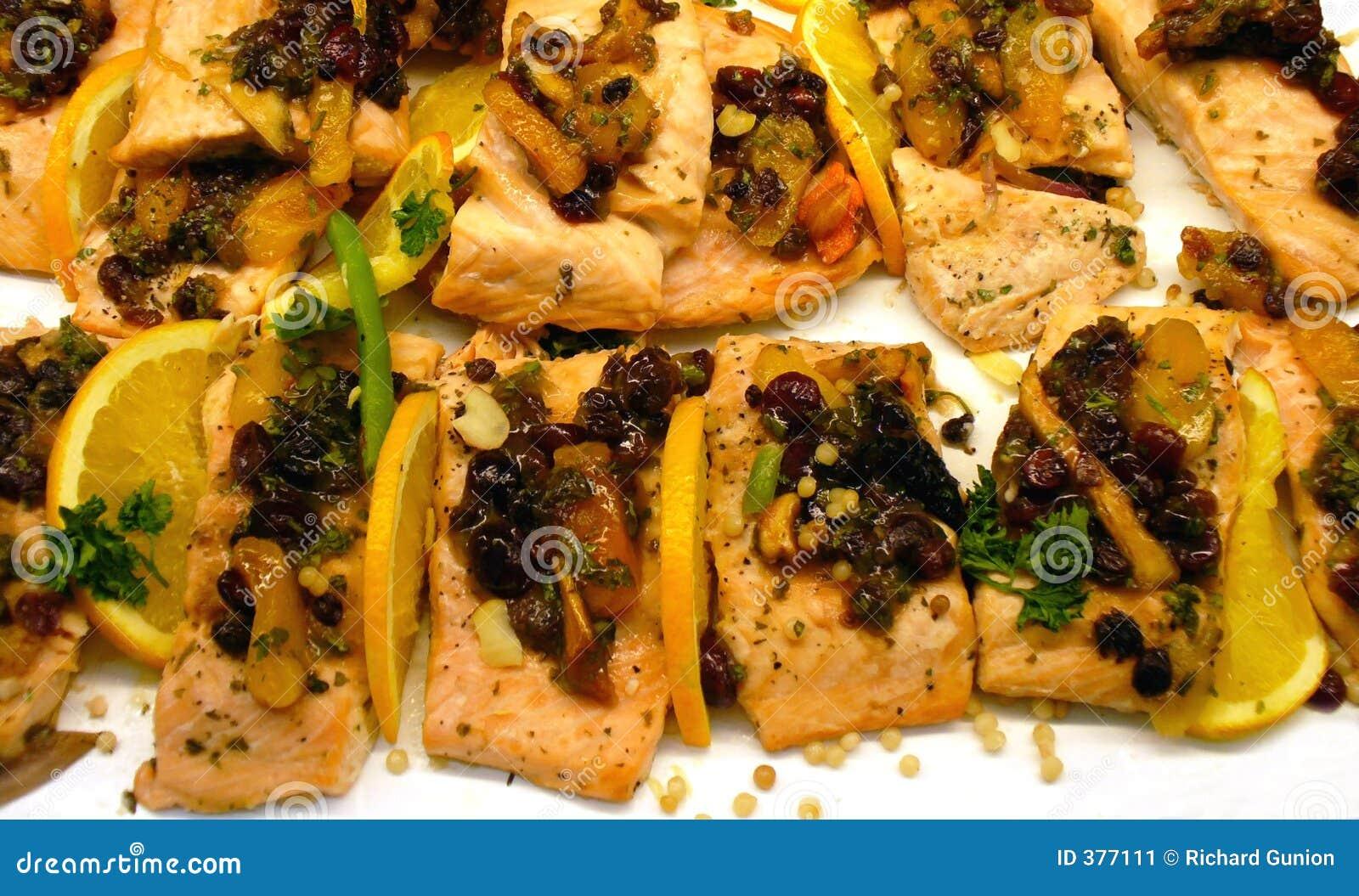 Saumons grillés par raisin sec