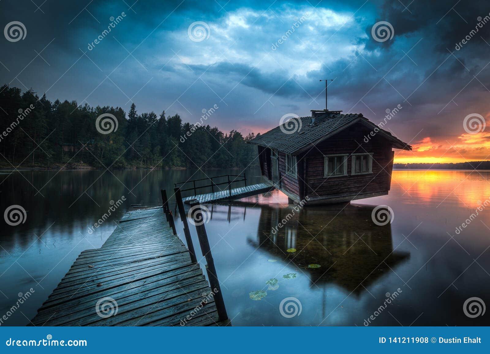 Sauna fou en Finlande qui est rampante