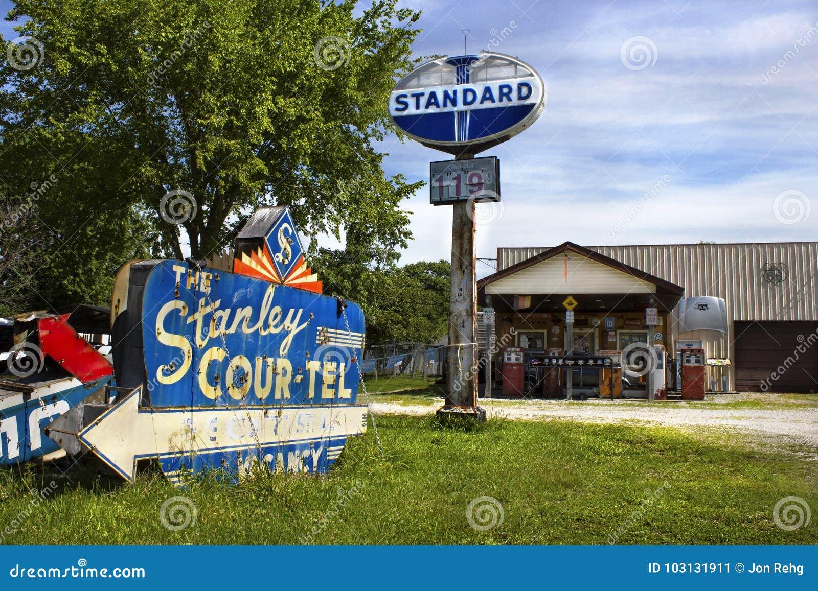 Saunton Illinois, Förenta staterna - circa Juni 2016 - rutt 66 för ranch för kanin för Henry ` s