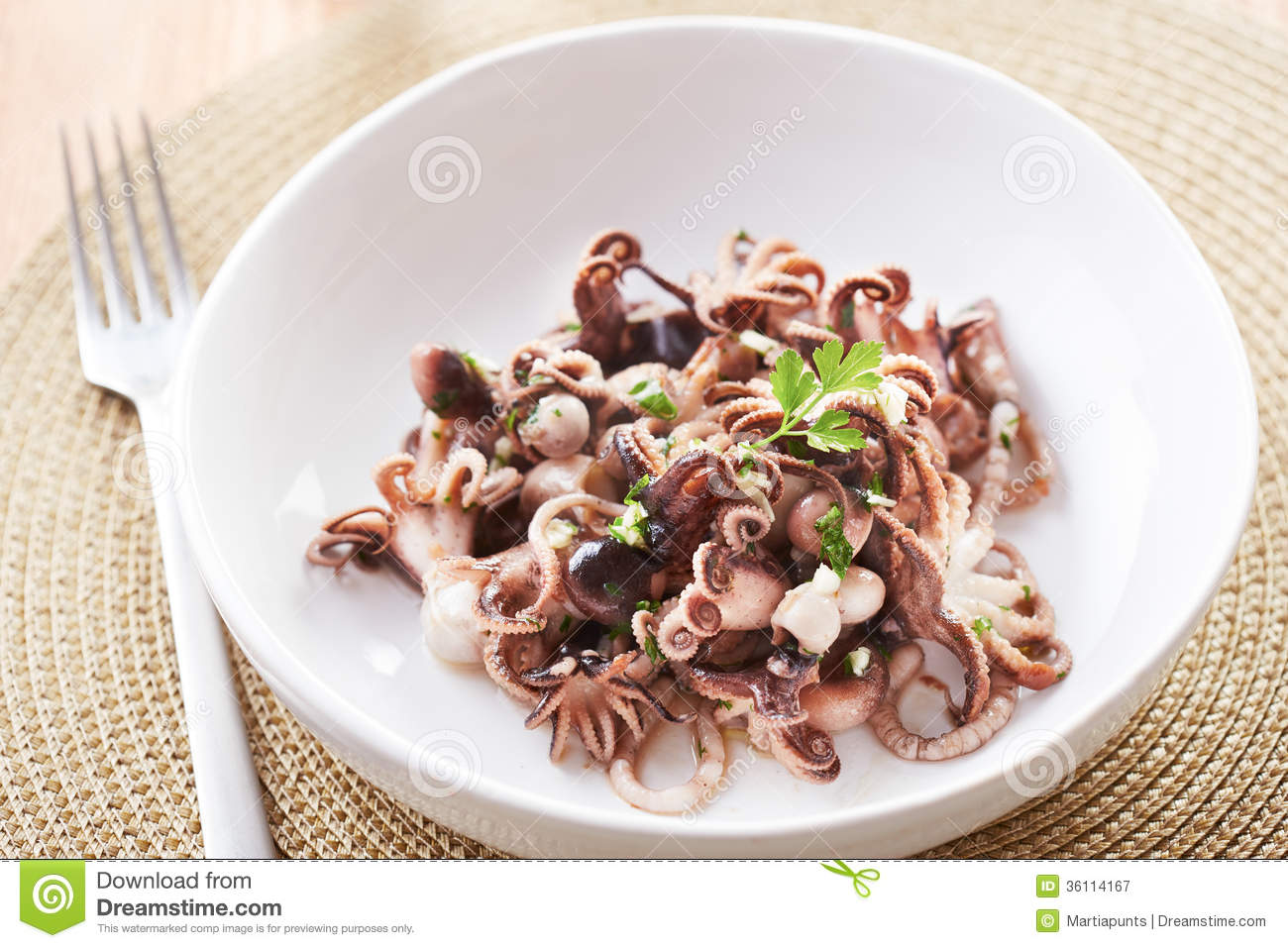sauteed calamari with parsley and garlic sauteed calamari with parsley ...