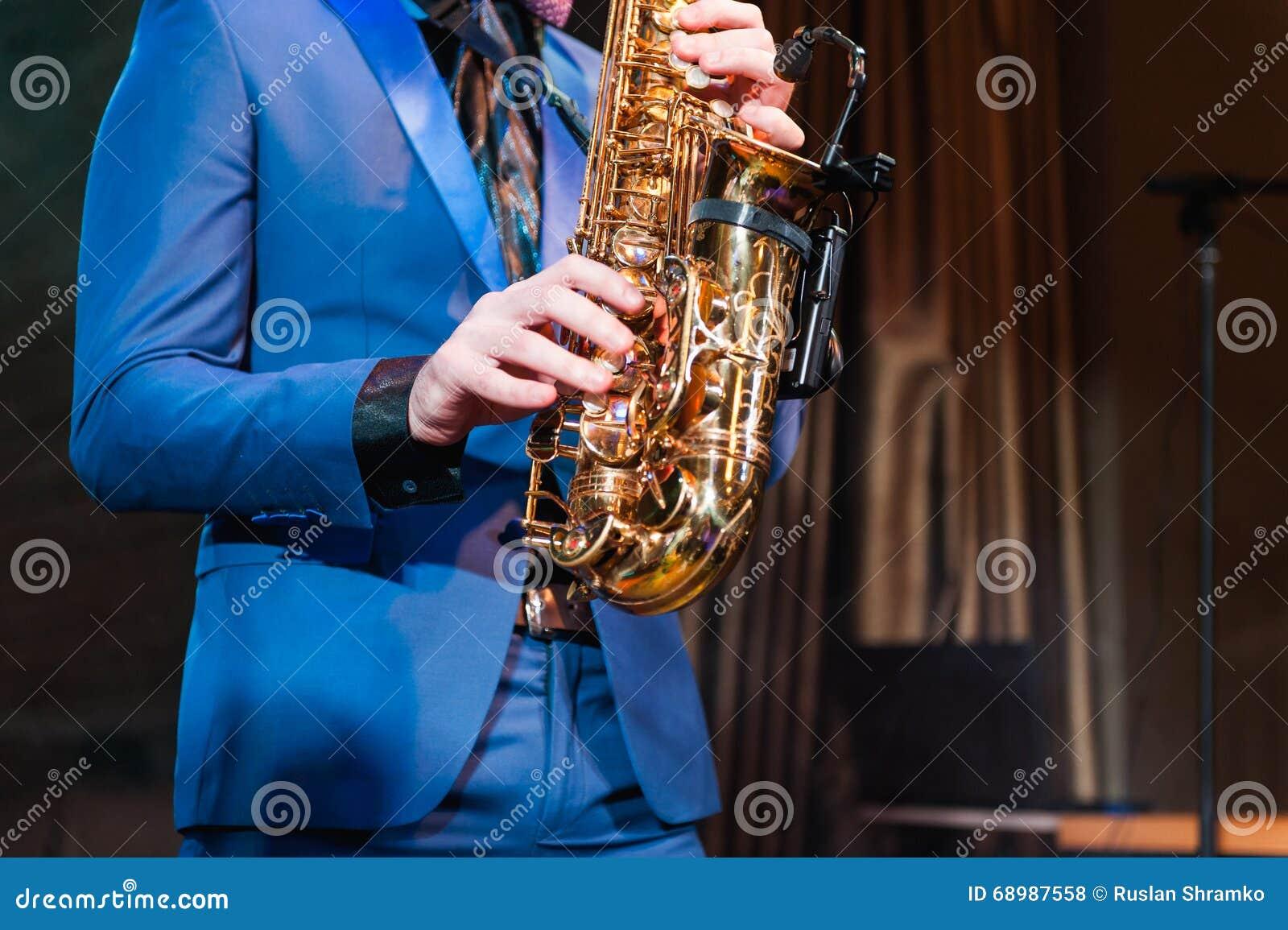 Saxofonista del instrumento de música de jazz del jugador de saxofón