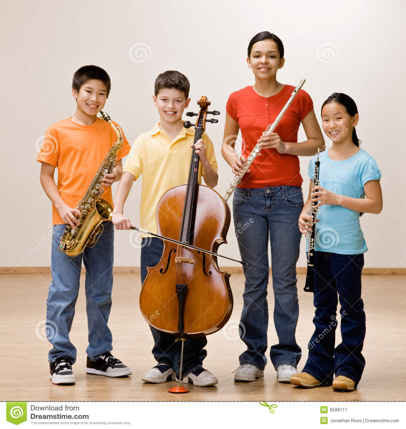 Saxophone κατσικιών εκμετάλλευσης φλαούτων κλαρινέτων βιολοντσέλων