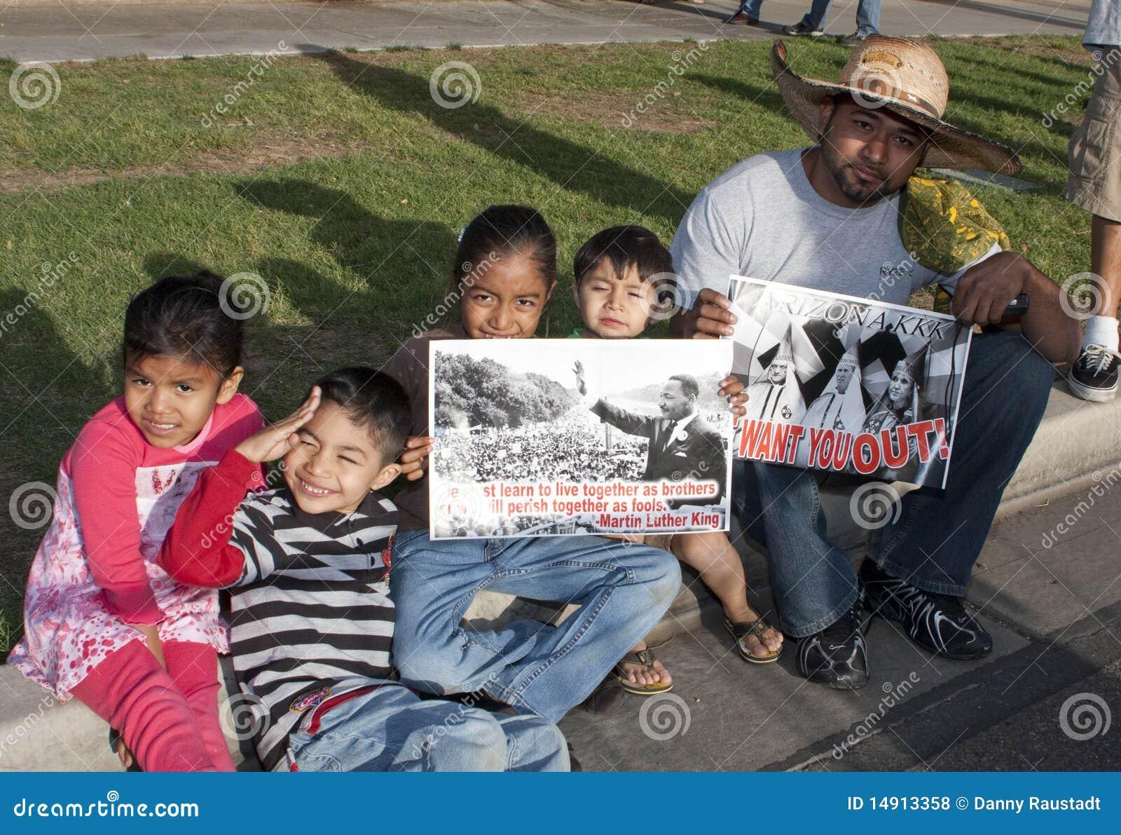Sb 1070 för protest för arizona invandringlag