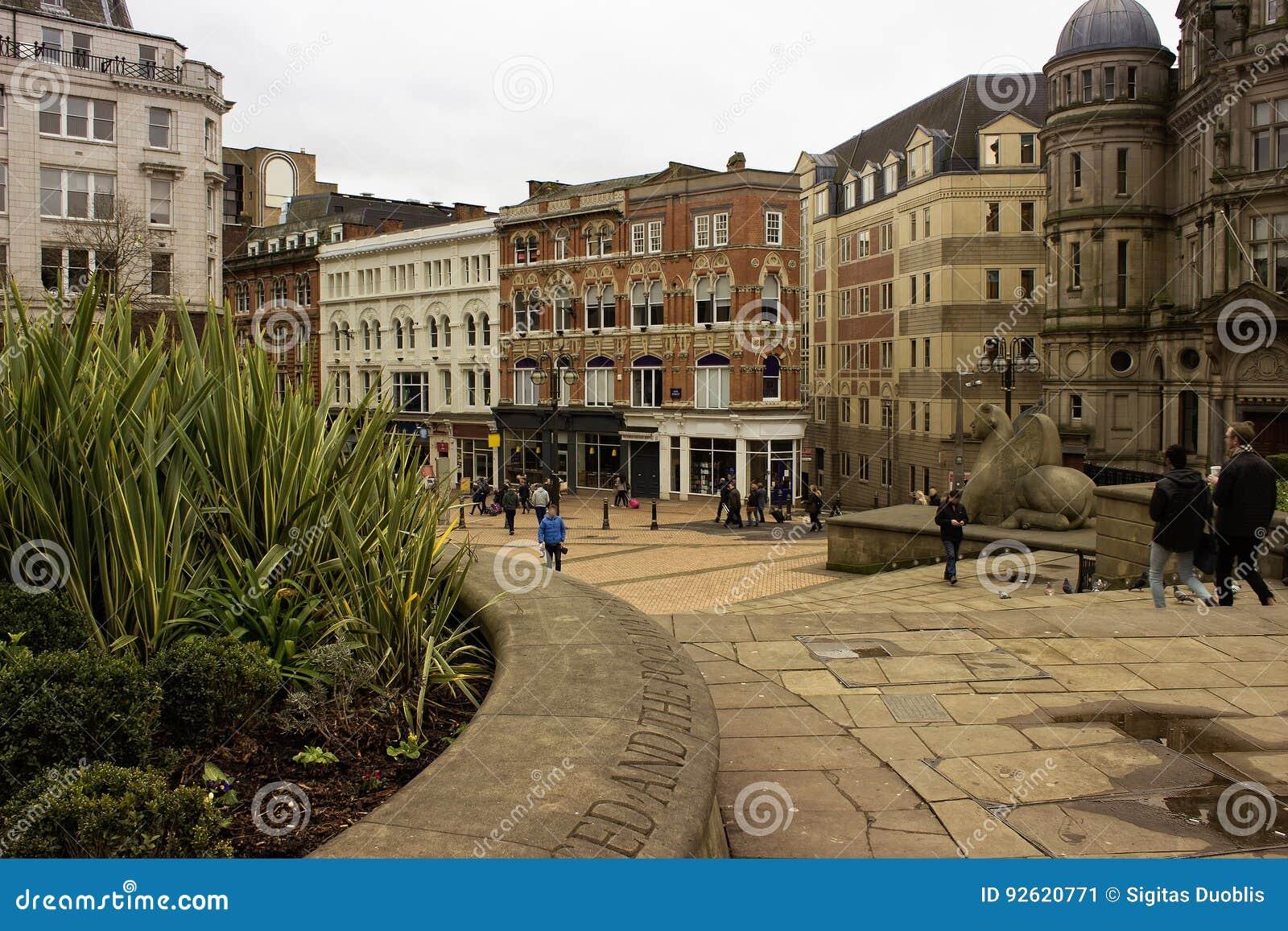 Scène au centre de la ville de Birmingham