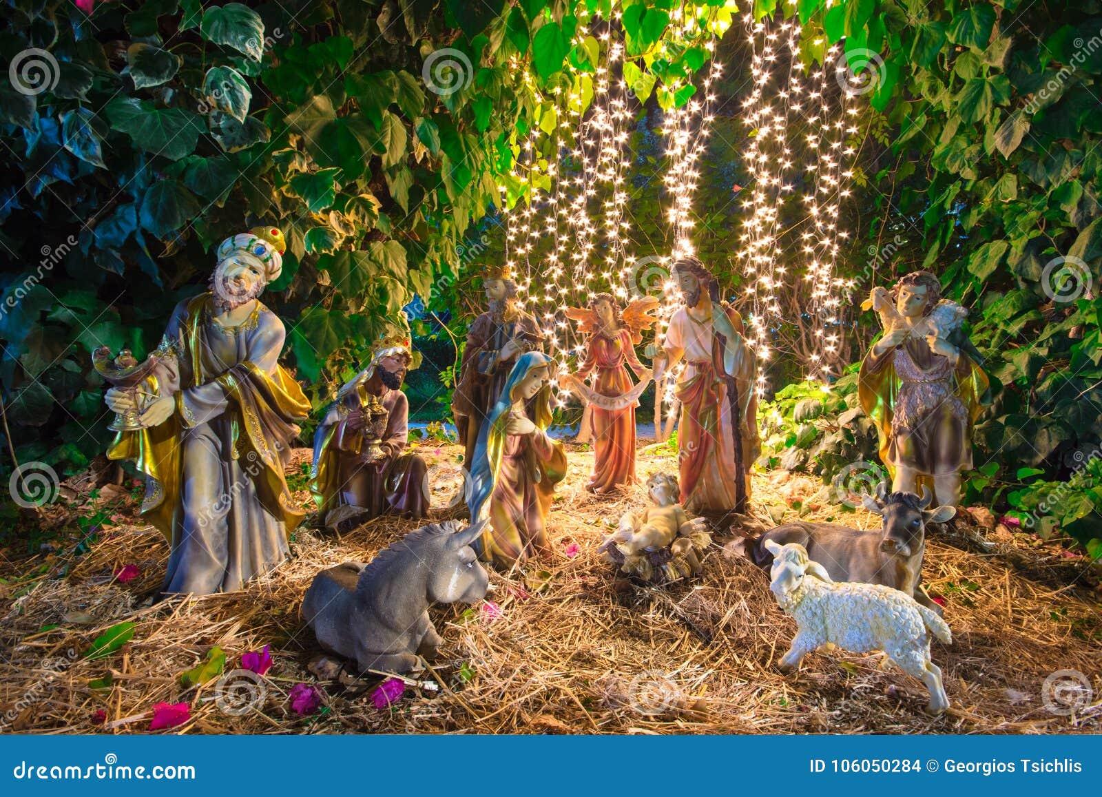 Scène de Manger de Noël avec des figurines