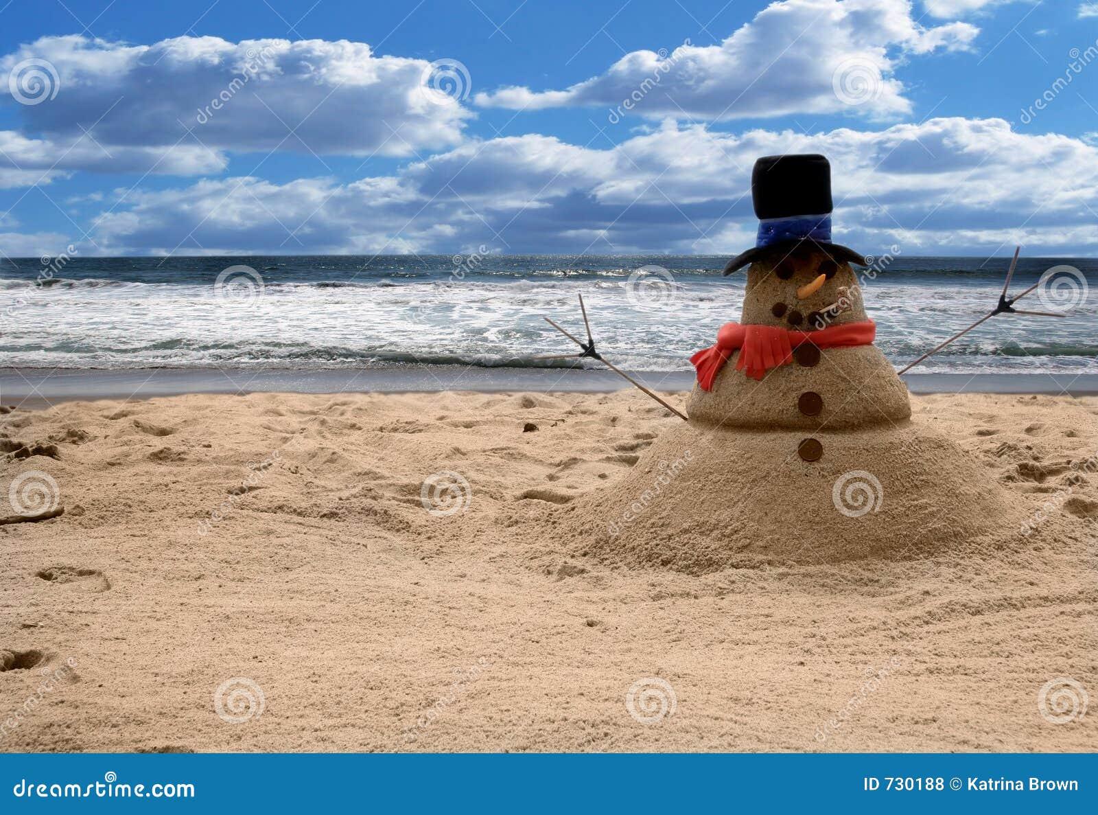 Scène de plage de Sandman de bonhomme de neige (ajoutez le famille pour des verticales)