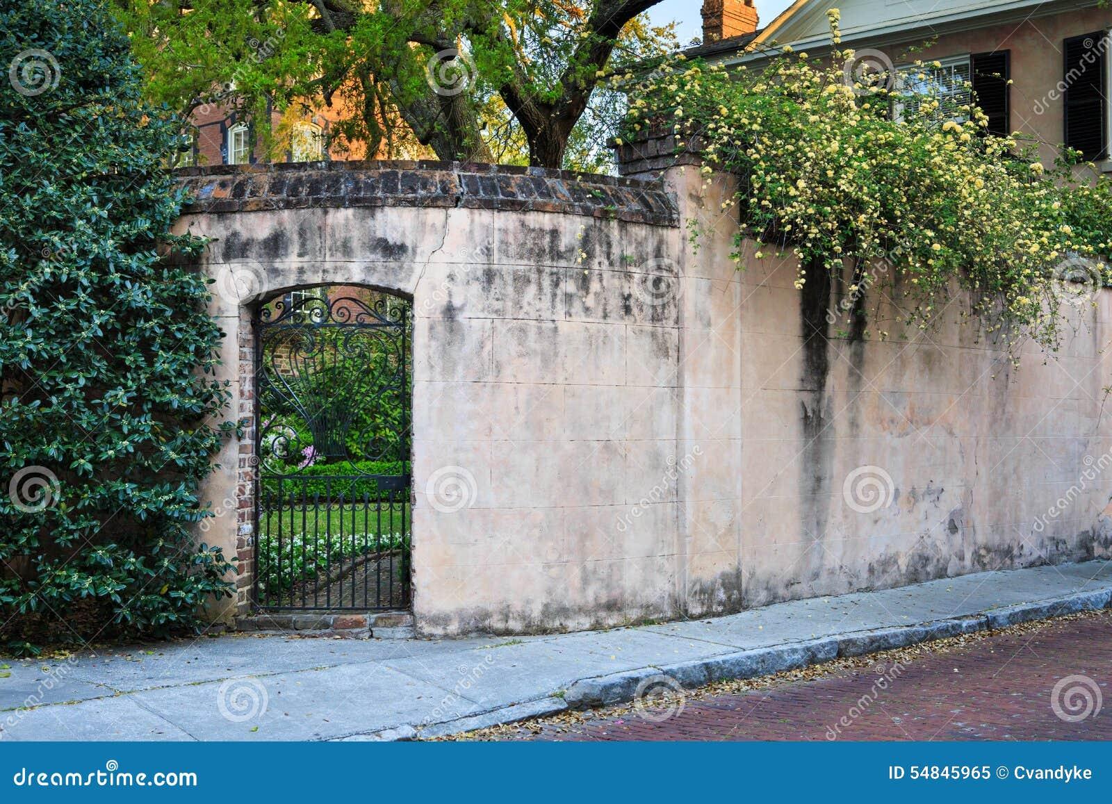 SC för charleston för livsstil för trädgårds- borggårdvägg bostads-