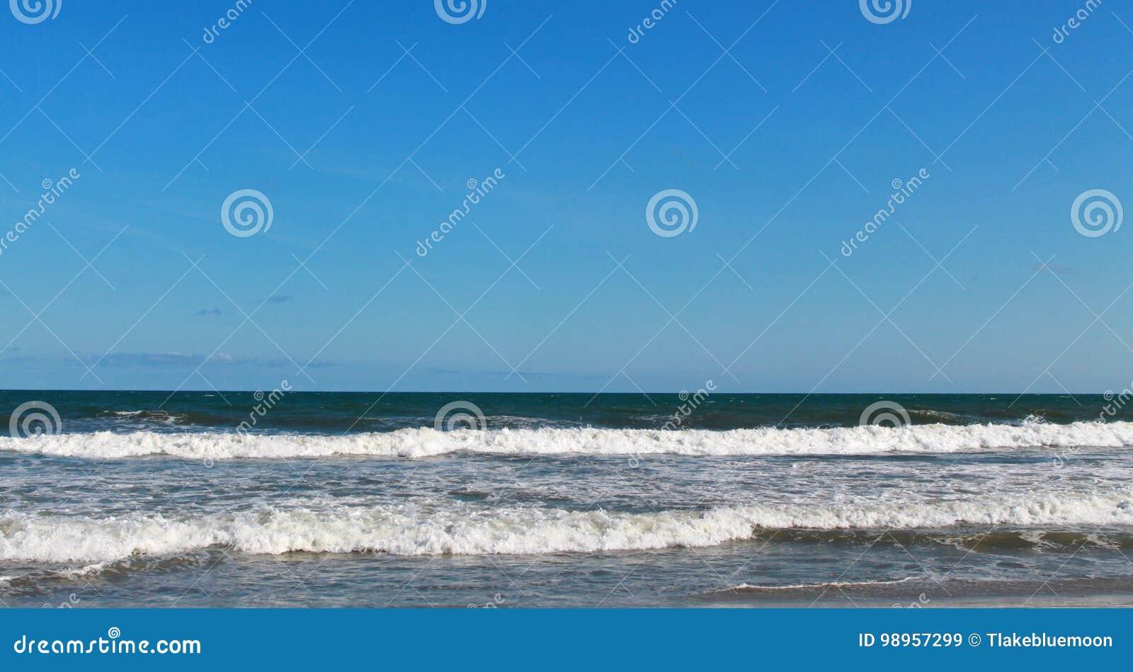 Sc van het de Dwaasheidsstrand van de Atlantische Oceaan