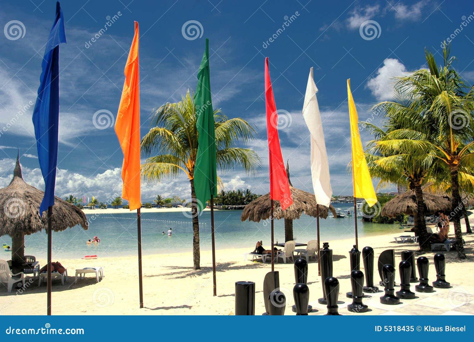 Download Scacchi sulla spiaggia immagine stock. Immagine di luce - 5318435