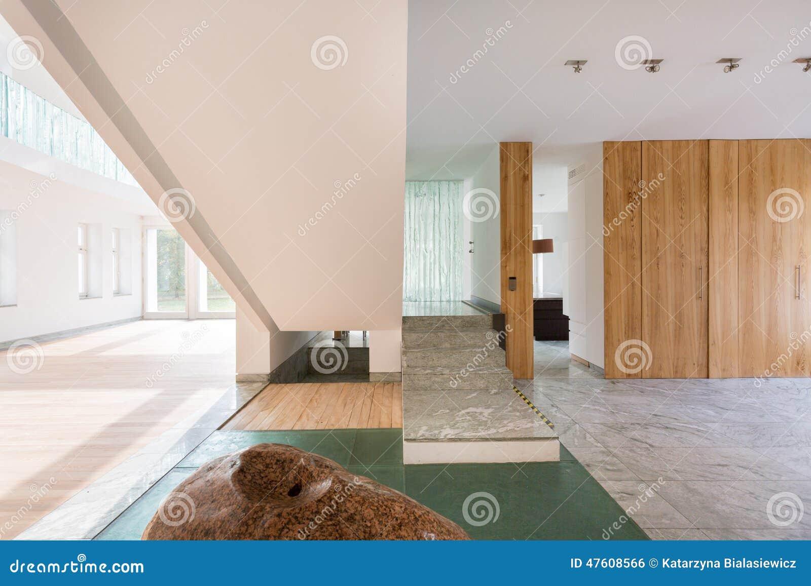 Scala di marmo in casa enorme fotografia stock immagine - Scale di casa ...