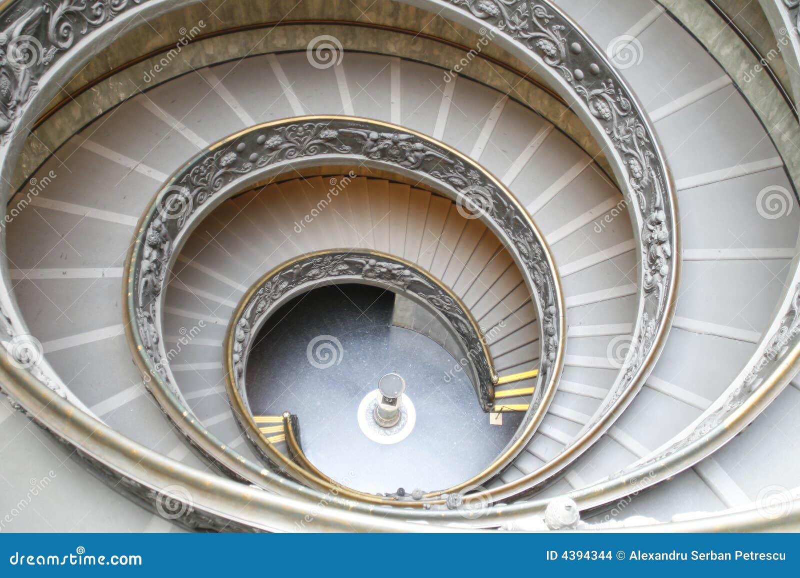 Scale circolari immagine stock editoriale immagine di immaginazione 4394344 - Immagini di scale ...