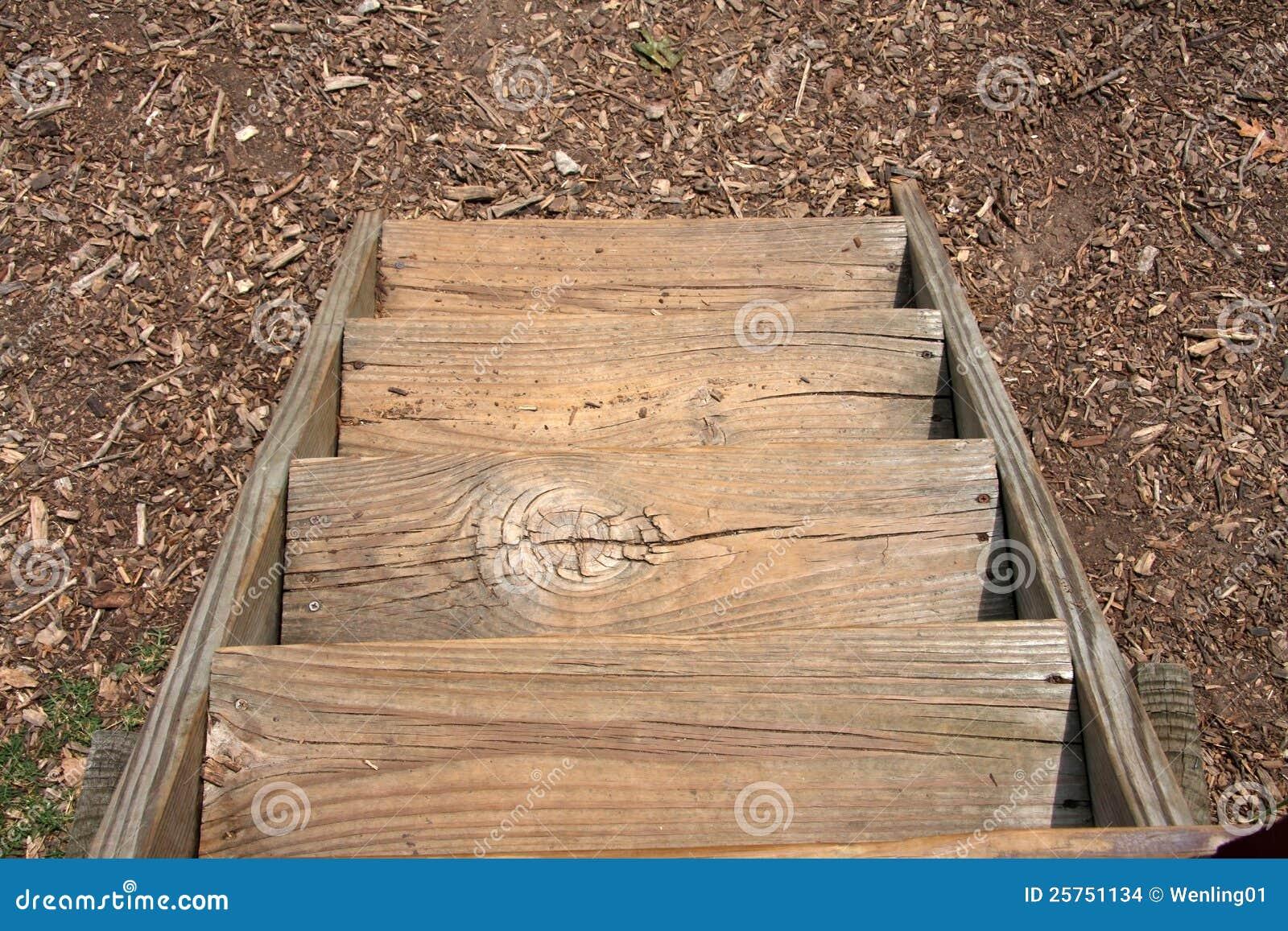 Scale di legno immagini stock immagine 25751134 - Immagini scale in legno ...