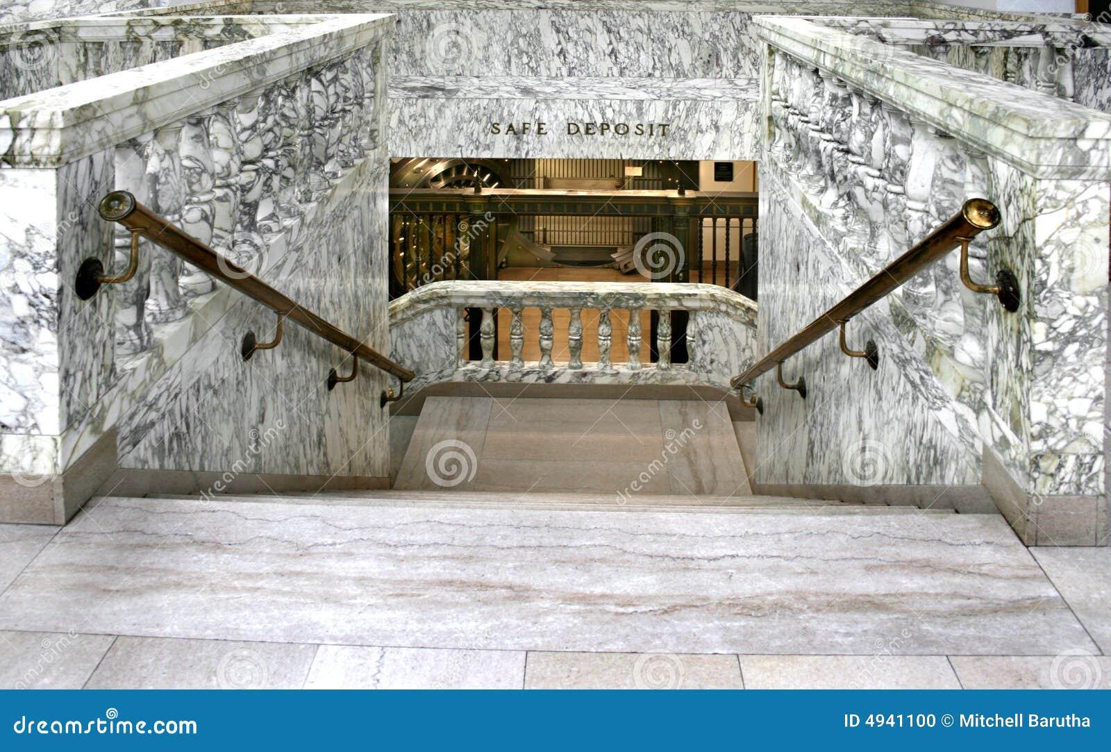 Scale di marmo della banca da vault fotografia stock - Scale di marmo ...