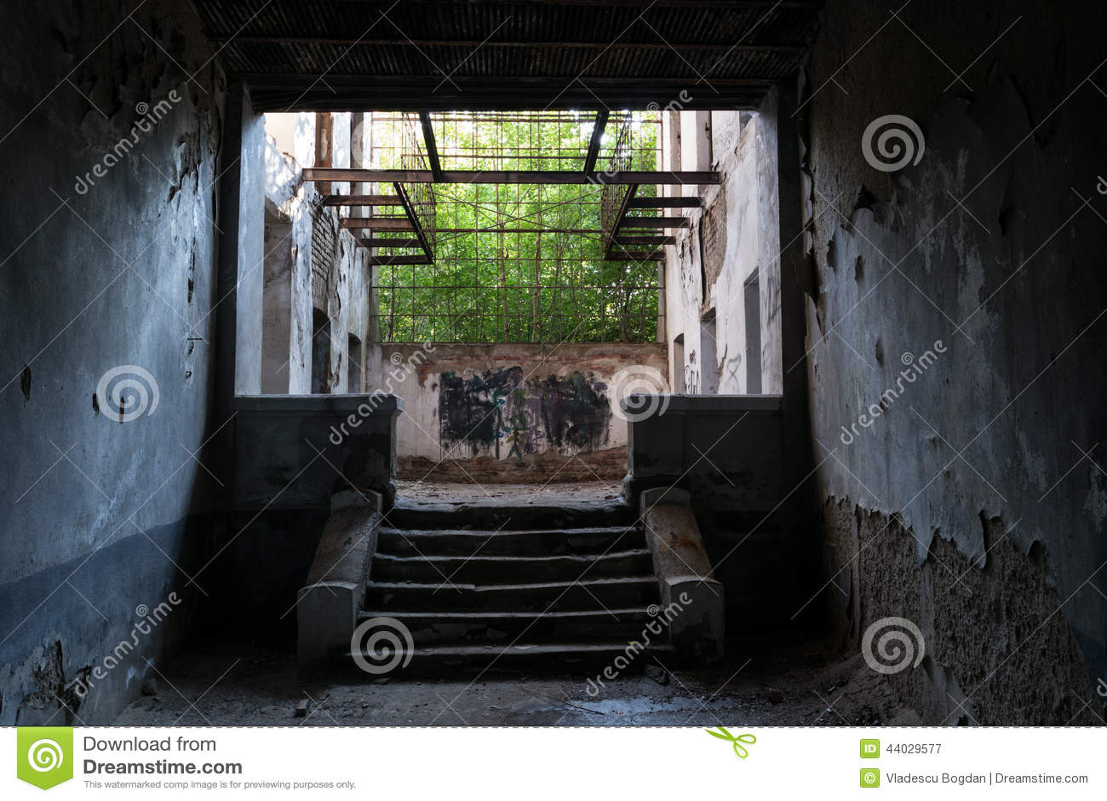 Scale interne rovinate fotografia stock immagine 44029577 - Costruzione scale interne ...