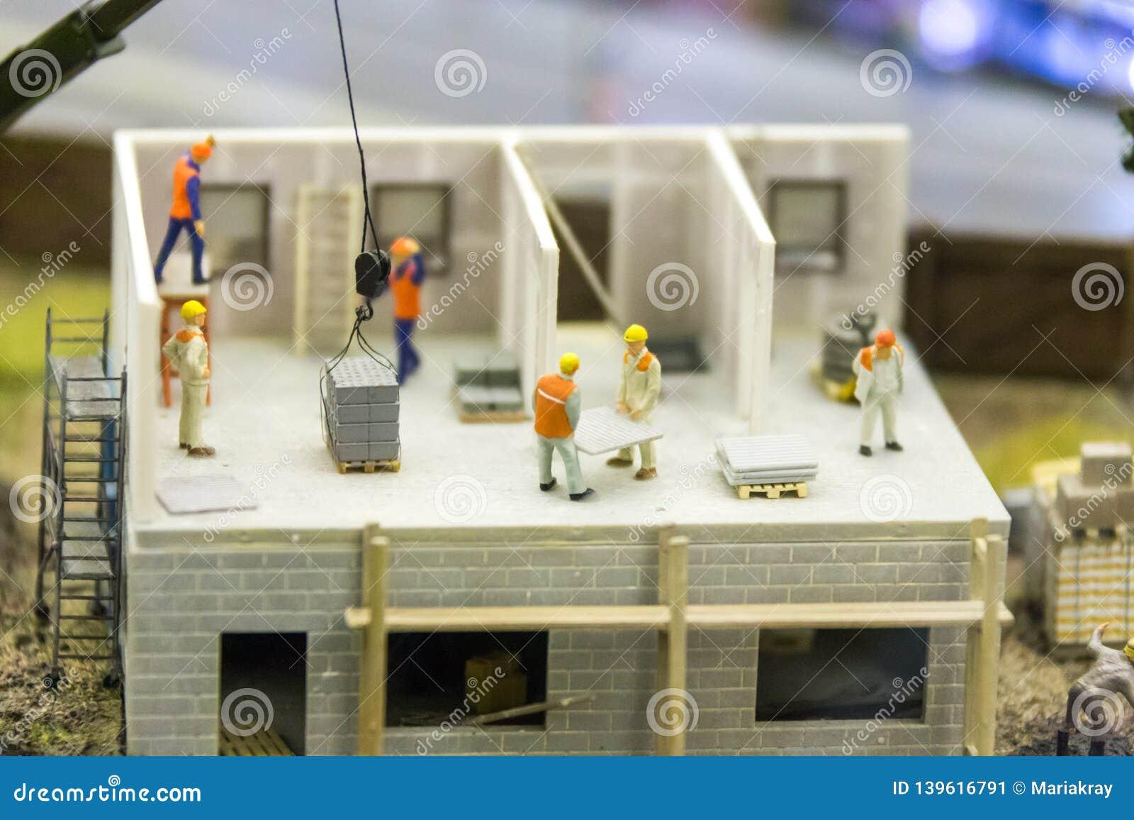 Работа для миниатюрных моделей работа в выходные модель