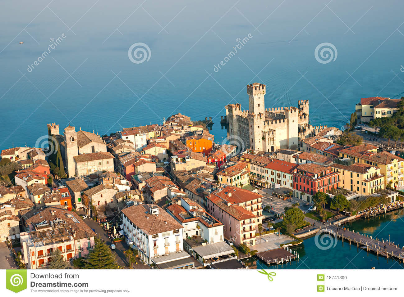 Scaliger Castle In Sirmione By Lake Garda, Italy Stock Photo - Image ...