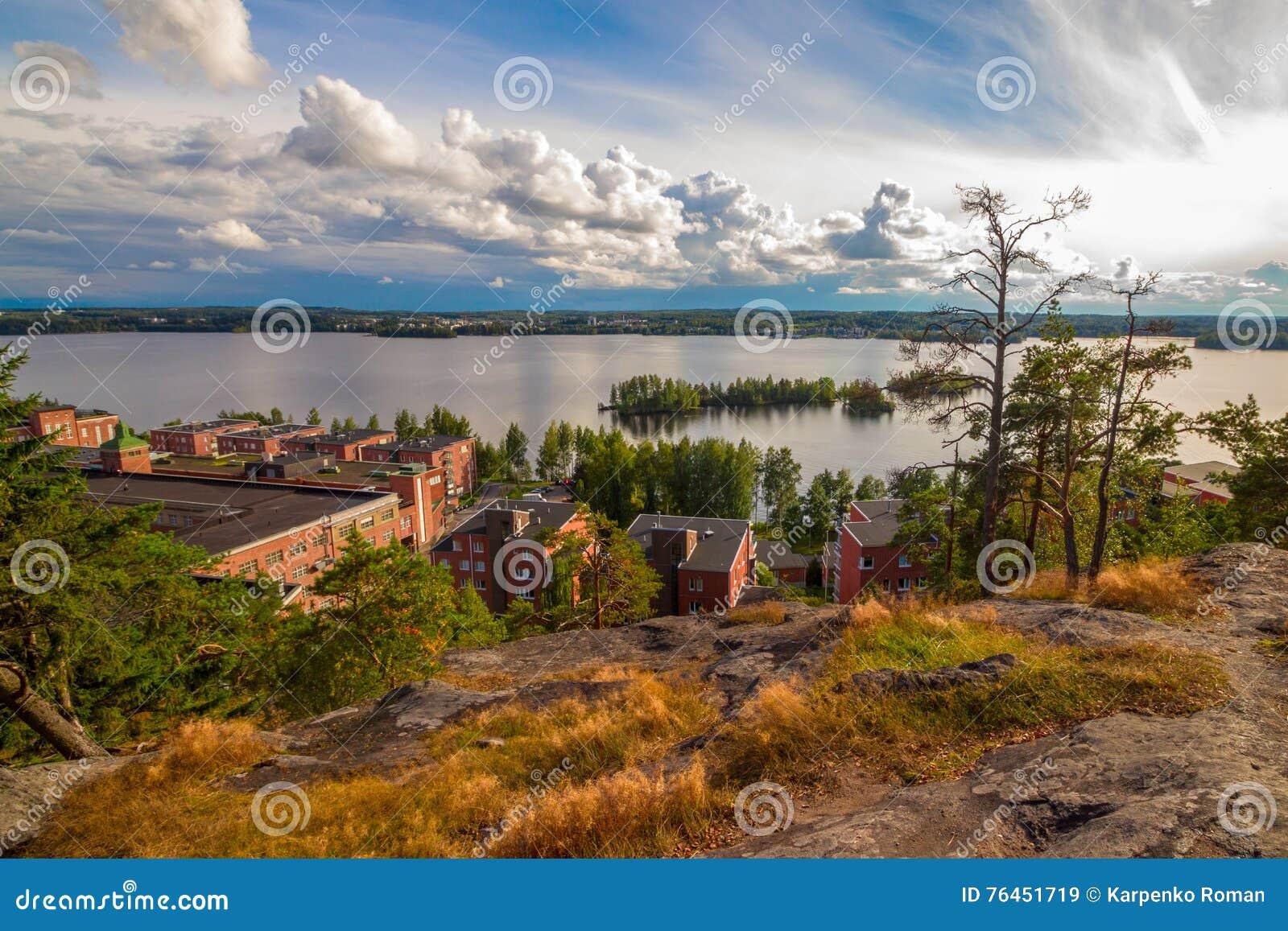 Scandinavia immagine stock immagine di bello nordico for Cabine della foresta lacustre