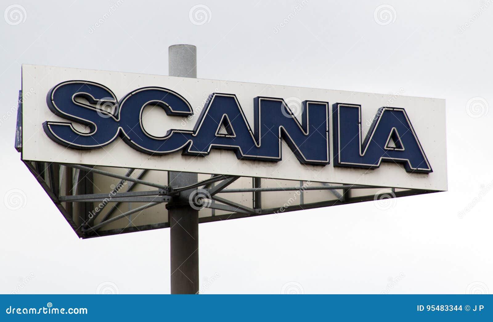 Scania podpisuje wewnątrz Paryskiego Francja