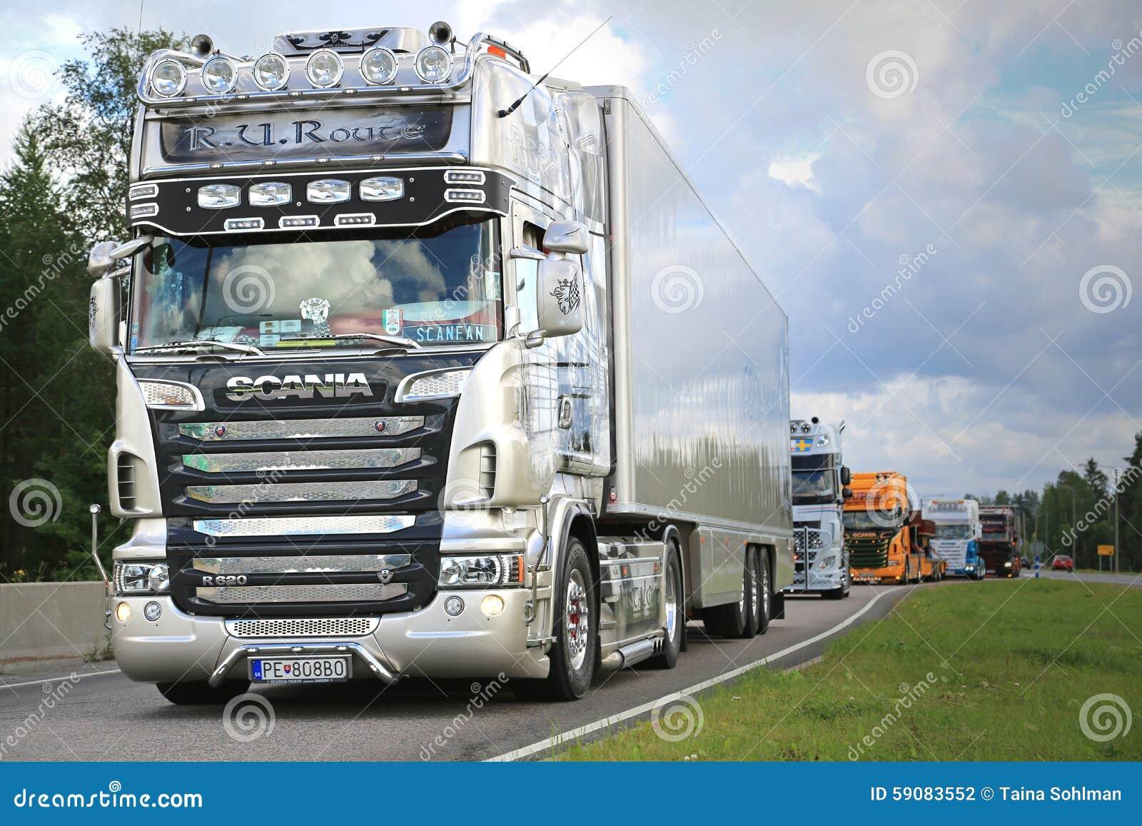 Scania semi r620 r u route on in truck convoy editorial - Foto di grandi camion ...