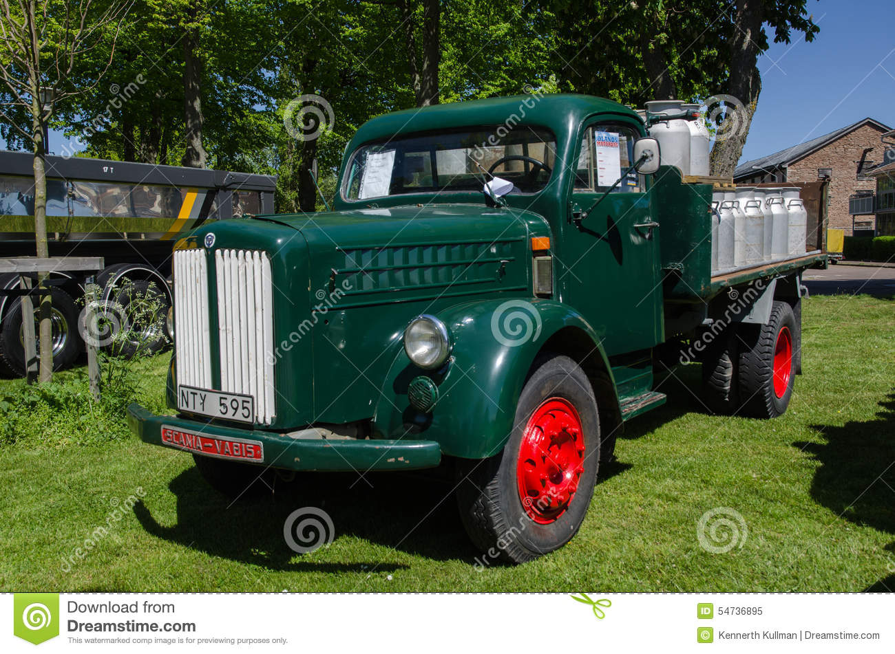 7766215036 further Editorial Image Scania Vabis Old Timer Lorry Borgholm Sweden May Classic L Loaded Milk Cans Car Meeting Town Borgholm Image54736895 also 449234131558674204 besides 131064 Kolkata Statesman Vintage Classic Car Rally 2013 A 4 further Classic Car Seats. on 1950 antique cars
