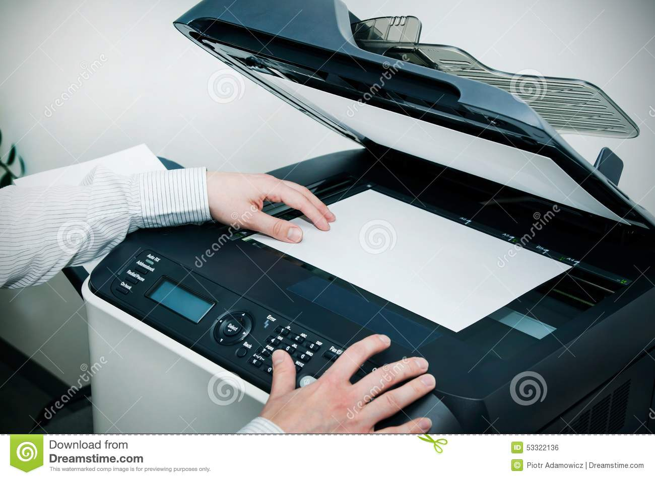 Scanner Multifunctioneel Apparaat In Bureau Stock Foto