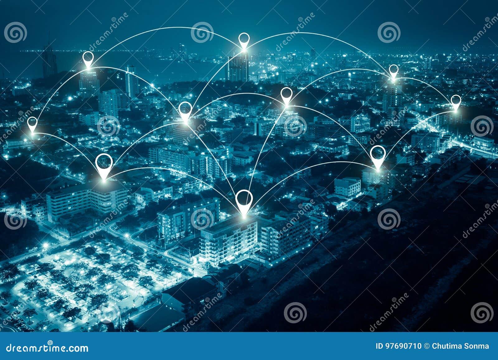 Scape da cidade e conceito da conexão de rede