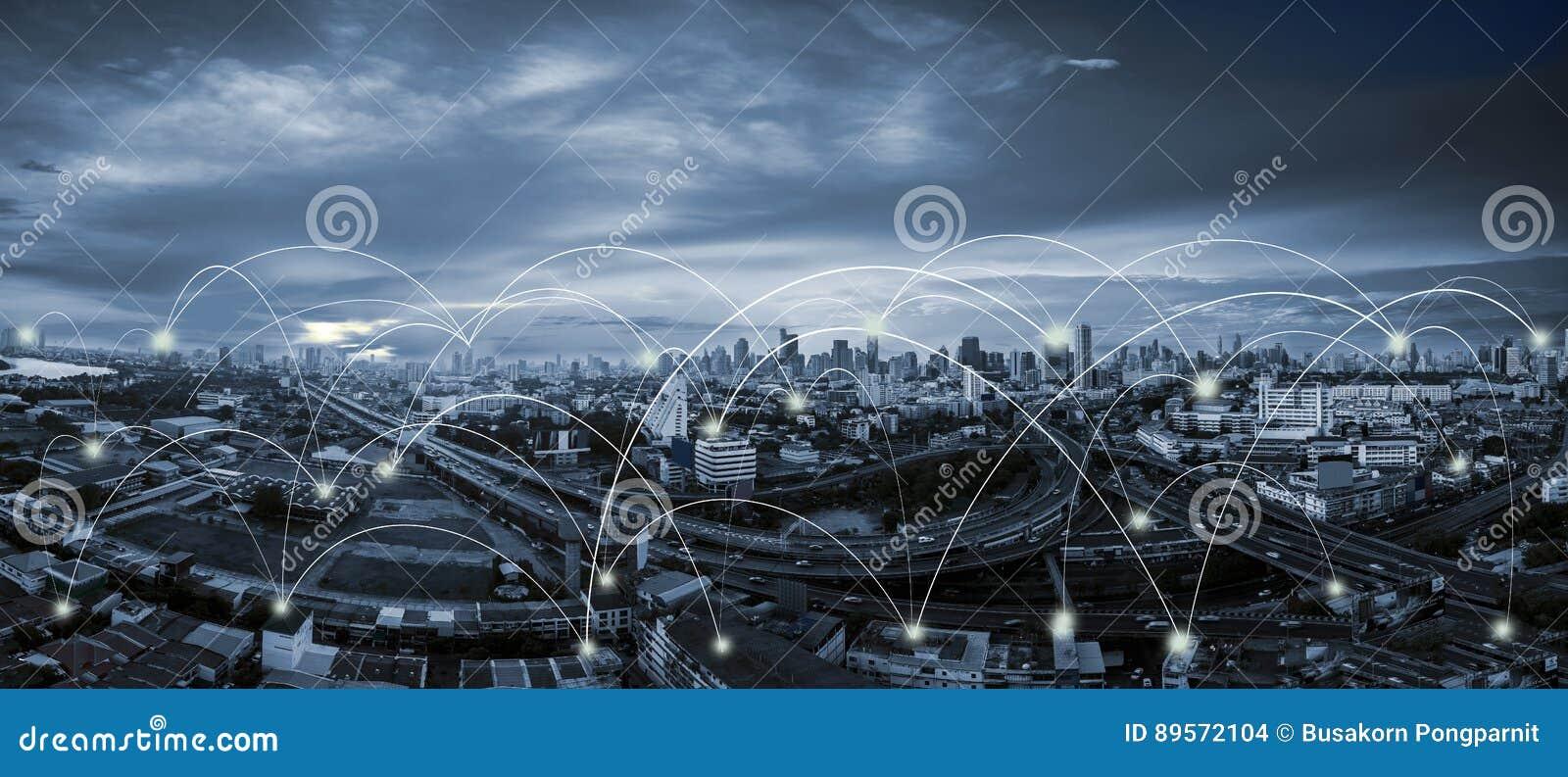 Scape de la ciudad del tono y conexión de red azules
