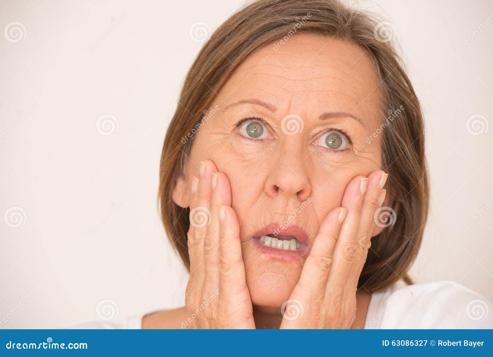 Download Scared A Choqué Le Portrait De Femme Image stock - Image du occasionnel, lifestyle: 63086327