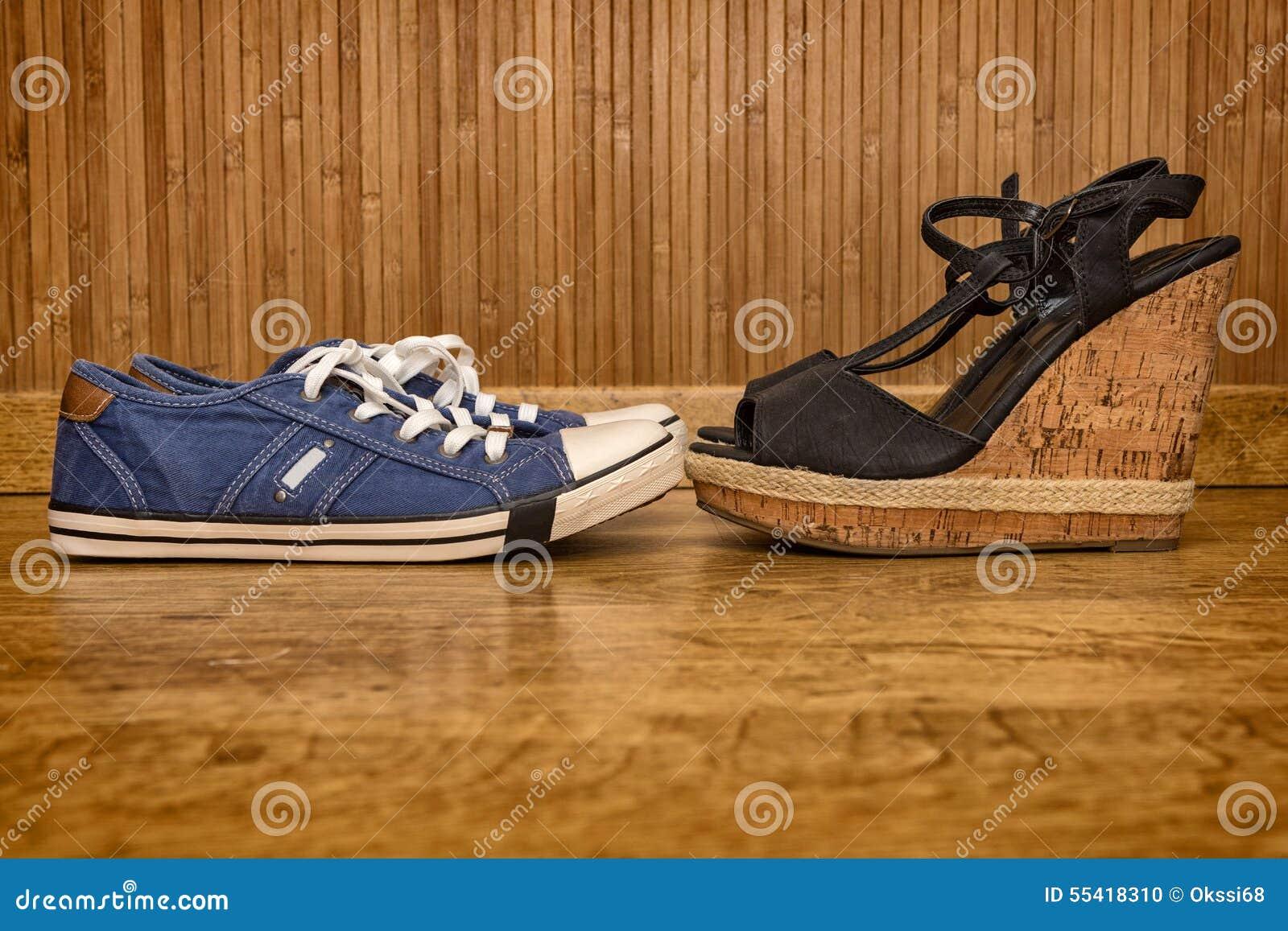 Stock I E Fotografia Da Scarpe Sandali Tennis Con Alti Tacchi UXzBUqxw